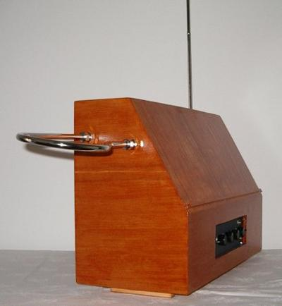 Necotron transistor theremin. Orthogonal view.