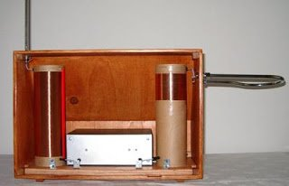 Necotron transistor theremin. Back view with back panel removed.