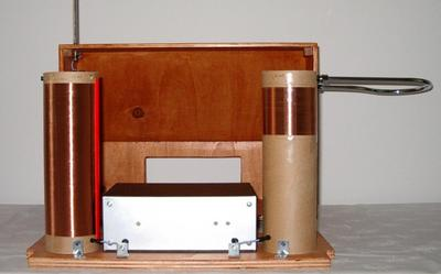 Necotron transistor theremin. Electronics and air antenna coils.