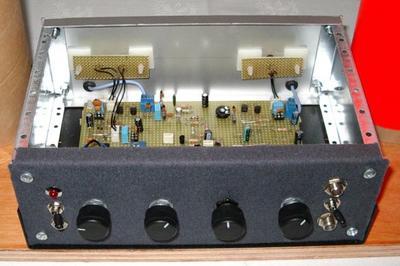 Necotron transistor theremin. Instrument controls.